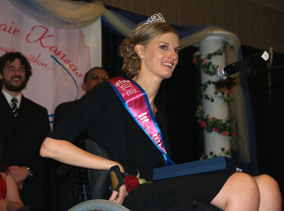 Emily giving speech after being crowned